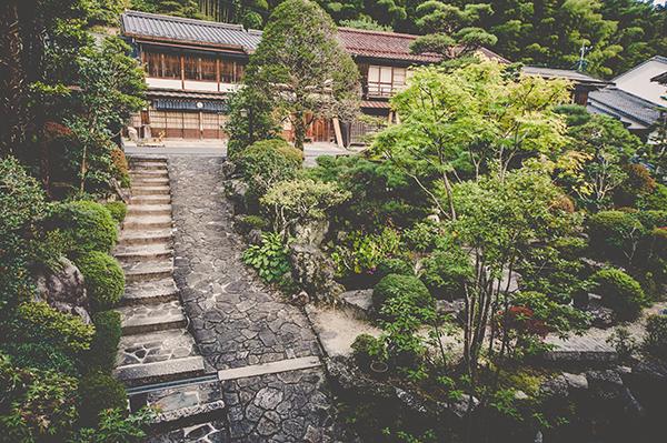 Fujioto-Ryokan-EntrancefromWithin